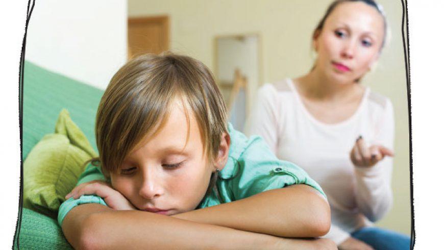 Peut-on obliger un enfant à nous regarder lors d'un conflit ?